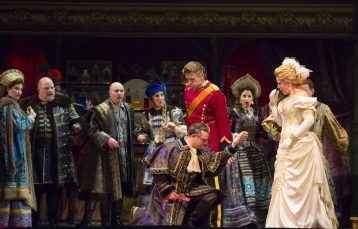 """11/11/15 3:34:32 PM -- The Lyric Opera of Chicago Presents """"The Merry Widow"""" Renee Fleming © Todd Rosenberg Photography 2015"""